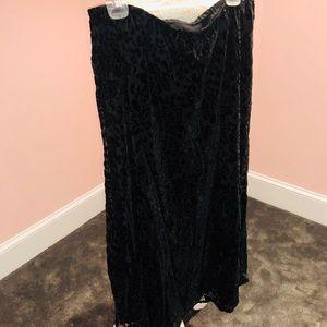Soft velvet maxi skirt